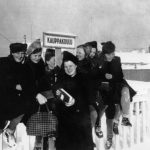 Photograph of students in Rovaniemi School of Commerce during mid-term in 1943-1944